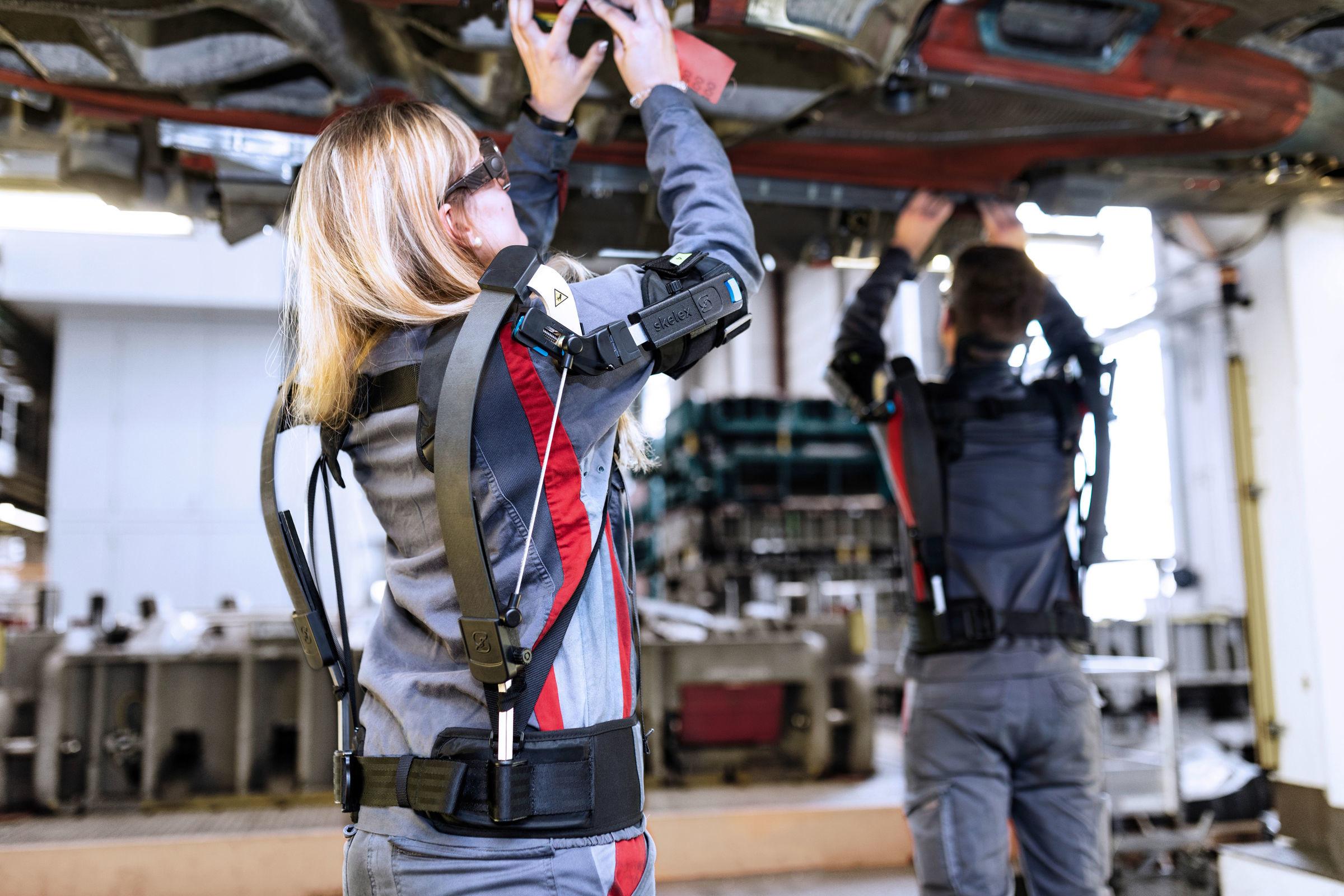Los exoesqueletos ya forman parte de la industria